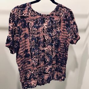 Gorgeous patterned top from F21!